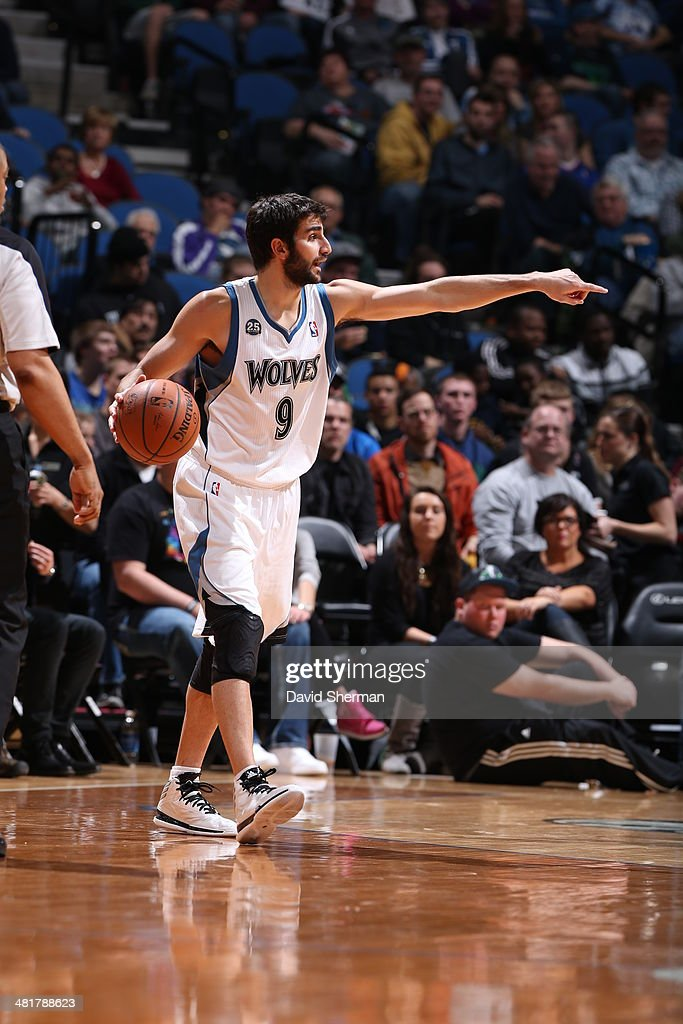 Ricky Rubio #9 of the Minnesota Timberwolves handles the ball against the Los Angeles Clippers on March 31, 2014 at Target Center in Minneapolis, Minnesota.