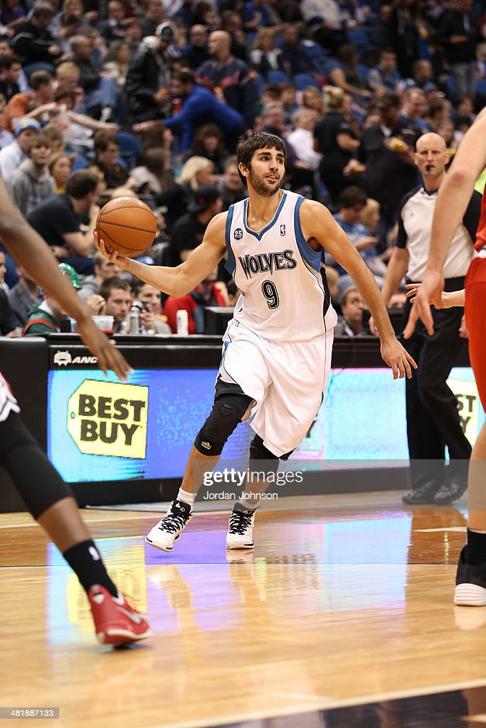 <a gi-track='captionPersonalityLinkClicked' href=/galleries/search?phrase=Ricky+Rubio&family=editorial&specificpeople=4028920 ng-click='$event.stopPropagation()'>Ricky Rubio</a> #9 of the Minnesota Timberwolves looks to pass the ball during the game against the Milwaukee Bucks on March 11, 2014 at Target Center in Minneapolis, Minnesota.