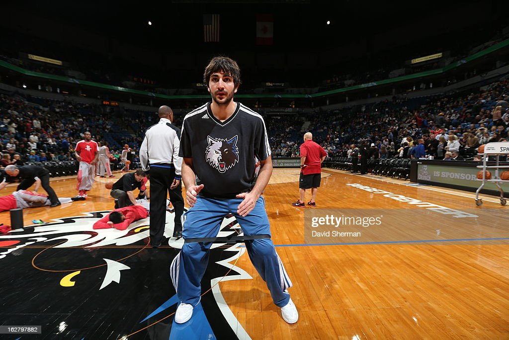<a gi-track='captionPersonalityLinkClicked' href=/galleries/search?phrase=Ricky+Rubio&family=editorial&specificpeople=4028920 ng-click='$event.stopPropagation()'>Ricky Rubio</a> #9 of the Minnesota Timberwolves warms up before the game against the Houston Rockets on December 26, 2012 at Target Center in Minneapolis, Minnesota.