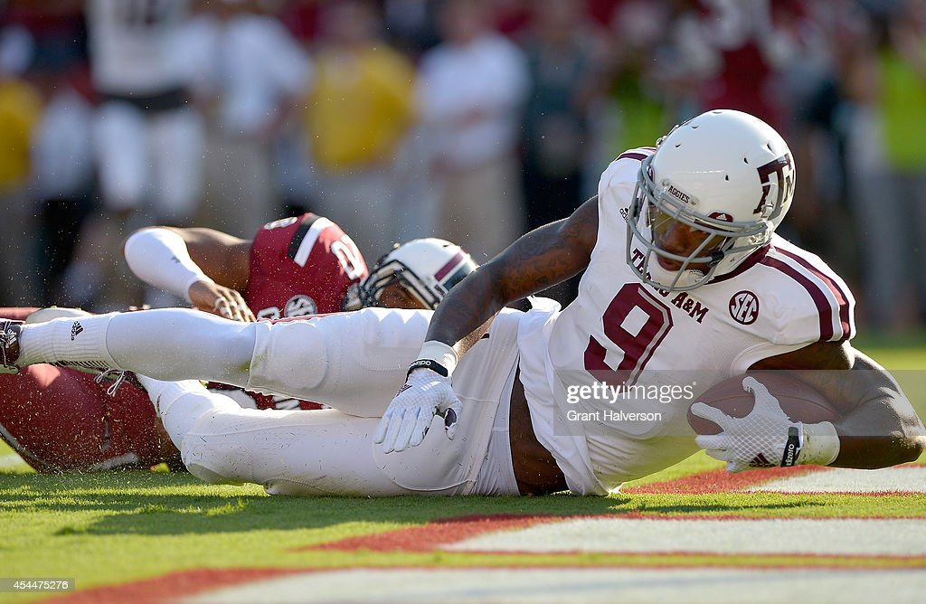 Ricky Seals-Jones #9 of the Texas A&M Aggies against the South Carolina Gamecocks during their game at Williams-Brice Stadium on August 28, 2014 in Columbia, South Carolina.