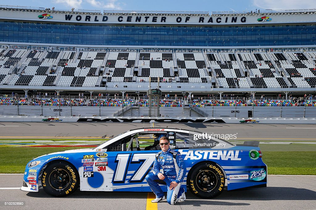 <a gi-track='captionPersonalityLinkClicked' href=/galleries/search?phrase=Ricky+Stenhouse+Jr.&family=editorial&specificpeople=5380612 ng-click='$event.stopPropagation()'>Ricky Stenhouse Jr.</a>, driver of the #17 Fastenal Ford, poses with his car after qualifying for the NASCAR Sprint Cup Series Daytona 500 at Daytona International Speedway on February 14, 2016 in Daytona Beach, Florida.