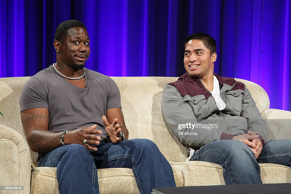 Ricky Watters and <a gi-track='captionPersonalityLinkClicked' href=/galleries/search?phrase=Manti+Te%27o&family=editorial&specificpeople=5654571 ng-click='$event.stopPropagation()'>Manti Te'o</a> attend the Stars of Maxwell Football Club Discussion Table on March 1, 2013 in Atlantic City, New Jersey.