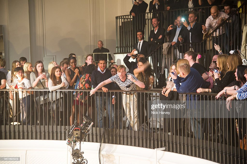 <a gi-track='captionPersonalityLinkClicked' href=/galleries/search?phrase=Ricky+Wilson&family=editorial&specificpeople=206907 ng-click='$event.stopPropagation()'>Ricky Wilson</a> from Kaiser Chiefs performs at Burberry Live at 121 Regent Street at Burberry on April 23, 2013 in London, England.