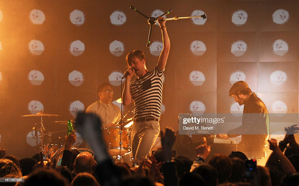 <a gi-track='captionPersonalityLinkClicked' href=/galleries/search?phrase=Ricky+Wilson&family=editorial&specificpeople=206907 ng-click='$event.stopPropagation()'>Ricky Wilson</a> of Kaiser Chiefs performs at Burberry Live at 121 Regent Street at Burberry on April 23, 2013 in London, England.