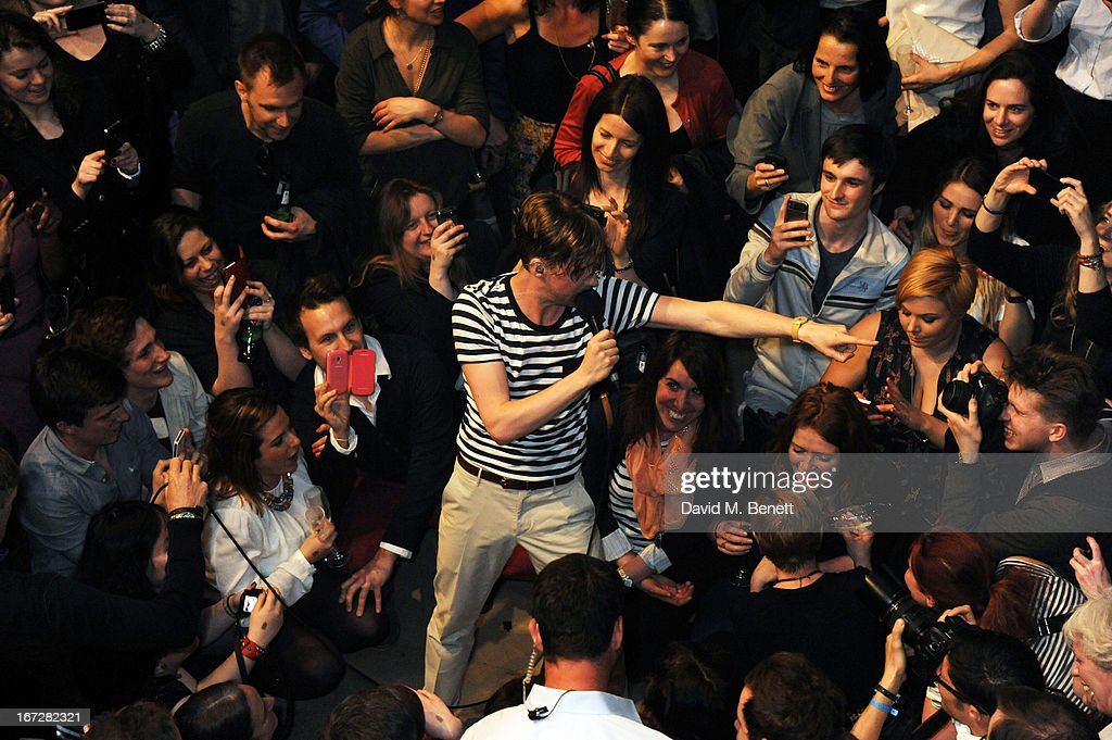 Ricky Wilson of Kaiser Chiefs performs at Burberry Live at 121 Regent Street at Burberry on April 23, 2013 in London, England.