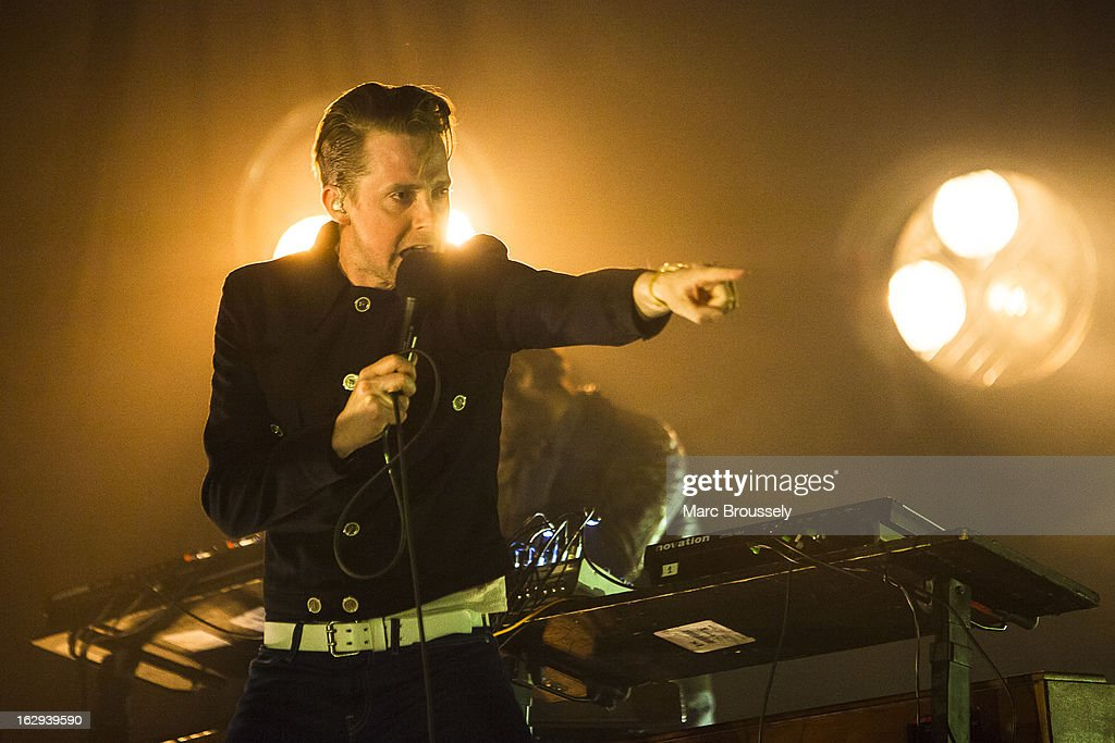 <a gi-track='captionPersonalityLinkClicked' href=/galleries/search?phrase=Ricky+Wilson&family=editorial&specificpeople=206907 ng-click='$event.stopPropagation()'>Ricky Wilson</a> of Kaiser Chiefs performs on stage at Hammersmith Apollo on March 1, 2013 in London, England.