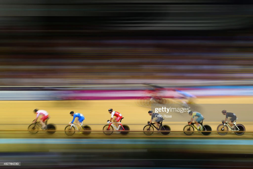 Riders compete in the Men's 20km Scratch Race qualifying at the Sir Chris Hoy Velodrome during day four of the Glasgow 2014 Commonwealth Games on July 27, 2014 in Glasgow, United Kingdom.