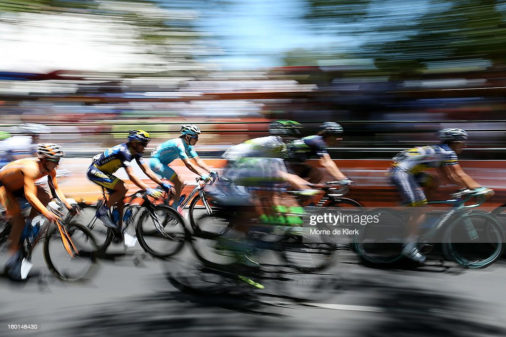 Riders make their way around the street circuit during stage six of the Tour Down Under on January 27, 2013 in Adelaide, Australia.