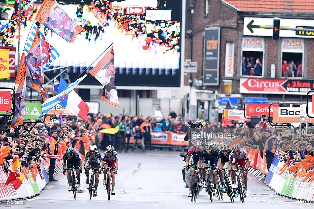 Rides sprint during the 101th edition of the LiegeBastogneLiege one day cycling race on April 26 2015 in LiegeAFP PHOTO / BELGA PHOTO / LUC CLAESSEN...