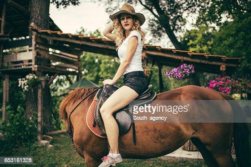Riding a horse : ストックフォト