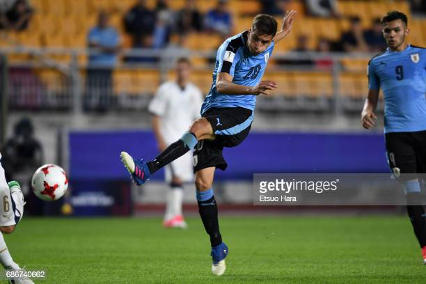 Ridrigo Bentancur of Uruguay in action during the FIFA U20 World Cup Korea Republic 2017 group D match between Italy and Uruguay at Suwon World Cup...