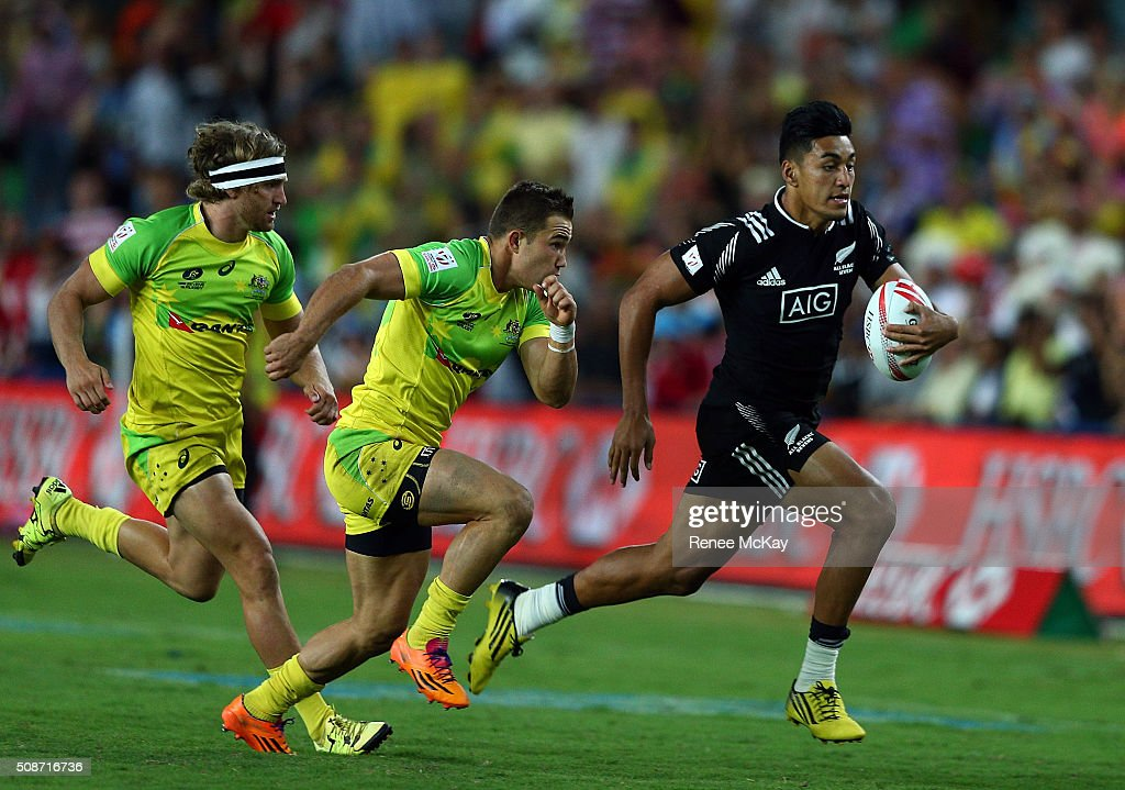 Rieko Ioane of New Zealand races away for a try during the 20146 Sydney Sevens match between Australia and New Zealand at Allianz Stadium on February 6, 2016 in Sydney, Australia.