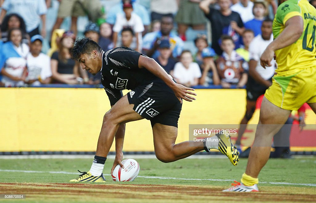 Rieko Ioane of New Zealand scores a try during the 2016 Sydney Sevens final match between Australia and New Zealand at Allianz Stadium on February 7, 2016 in Sydney, Australia.