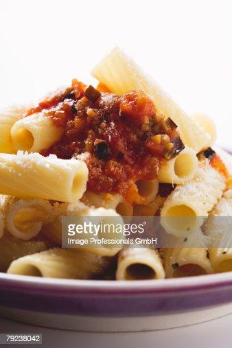 Rigatoni with tomato and aubergine sauce : Stock Photo