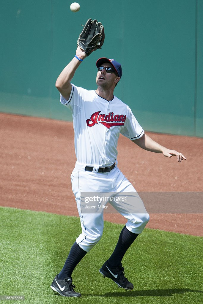 Right fielder David Murphy #7 of the Cleveland Indians catches a fly ball hit by Trevor Plouffe #24 of the Minnesota Twins to end the top of the seventh inning at Progressive Field on May 8, 2014 in Cleveland, Ohio. The Indians defeated the Twins 9-4.