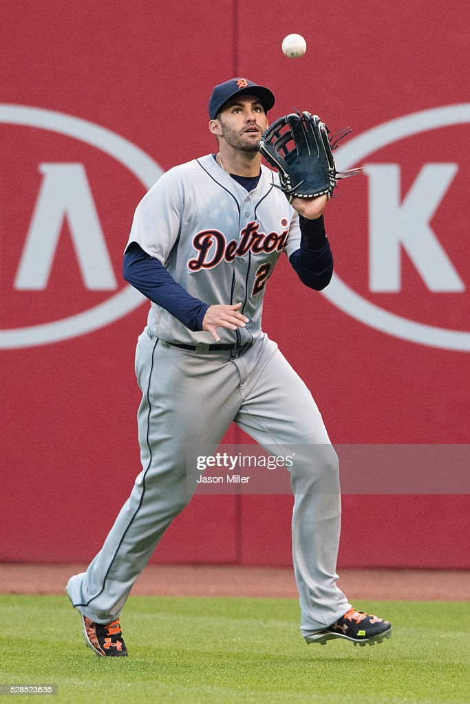 Right fielder <a gi-track='captionPersonalityLinkClicked' href=/galleries/search?phrase=J.D.+Martinez&family=editorial&specificpeople=7520024 ng-click='$event.stopPropagation()'>J.D. Martinez</a> #28 of the Detroit Tigers catches a fly ball hit by Jason Kipnis #22 of the Cleveland Indians to end the fourth inning at Progressive Field on May 5, 2016 in Cleveland, Ohio.