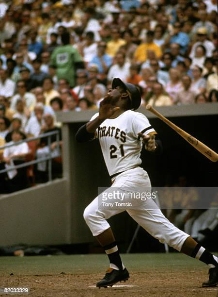 Right fielder Roberto Clemente of Pittsburgh Pirates