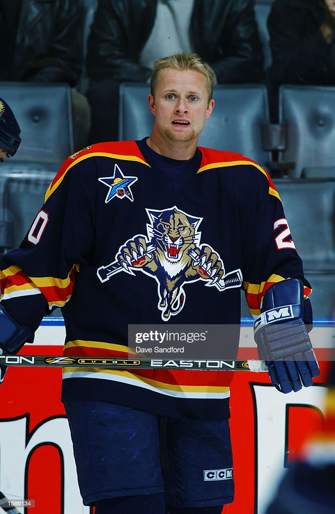 right-wing-valeri-bure-of-the-florida-pa