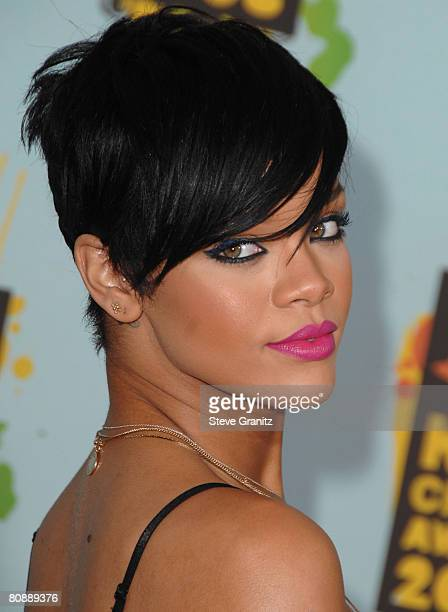Rihanna arrives at the 2008 Nickelodeons Kids Choice Awards at the Pauley Pavilion on March 29 2008 in Los Angeles
