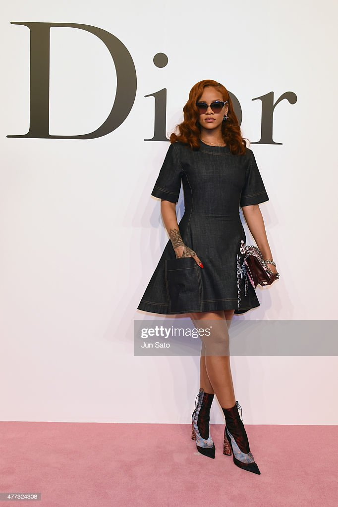 <a gi-track='captionPersonalityLinkClicked' href=/galleries/search?phrase=Rihanna&family=editorial&specificpeople=453439 ng-click='$event.stopPropagation()'>Rihanna</a> arrives at the Christian Dior TOKYO Autumn/Winter 2015-16 Ready-To-Wear Show at The National Art Center Tokyo on June 16, 2015 in Tokyo, Japan.