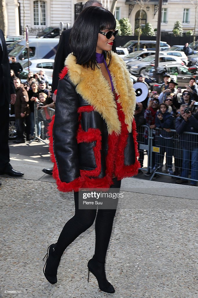 Rihanna arrives at the Miu Miu show as part of the Paris Fashion Week Womenswear Fall/Winter 2014-2015 on March 5, 2014 on March 5, 2014 in Paris, France.