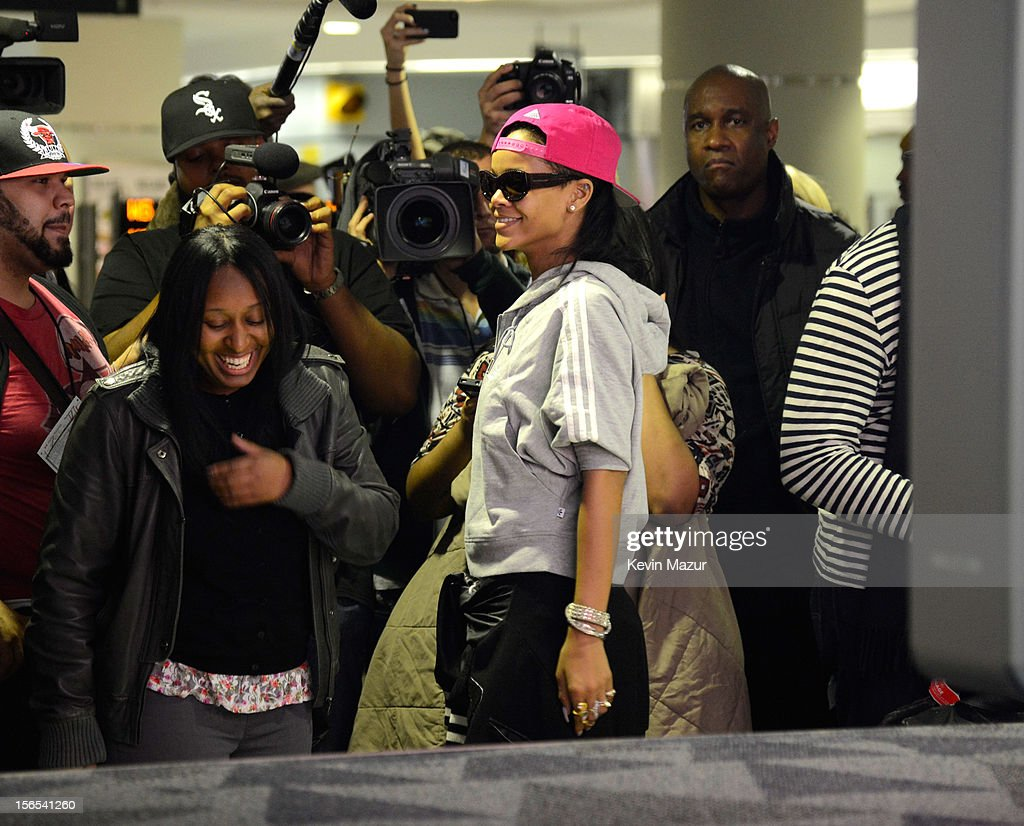 Rihanna arrives at the Toronto International Airport and greets fans and press on November 15, 2012 in Toronto, Canada. Rihanna's 777 Tour - 7 countries, 7 days, 7 shows in celebration of the November 19, 2012 release of 'Unapologetic.'