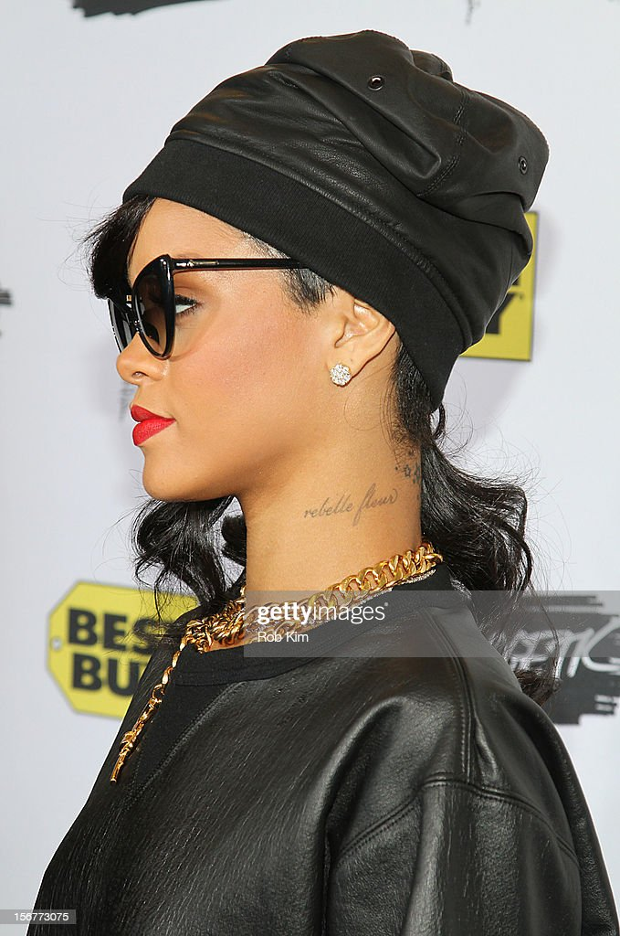 Rihanna arrives for her 'Unapologetic' record release fan meet and greet at Best Buy Theater on November 20, 2012 in New York City.