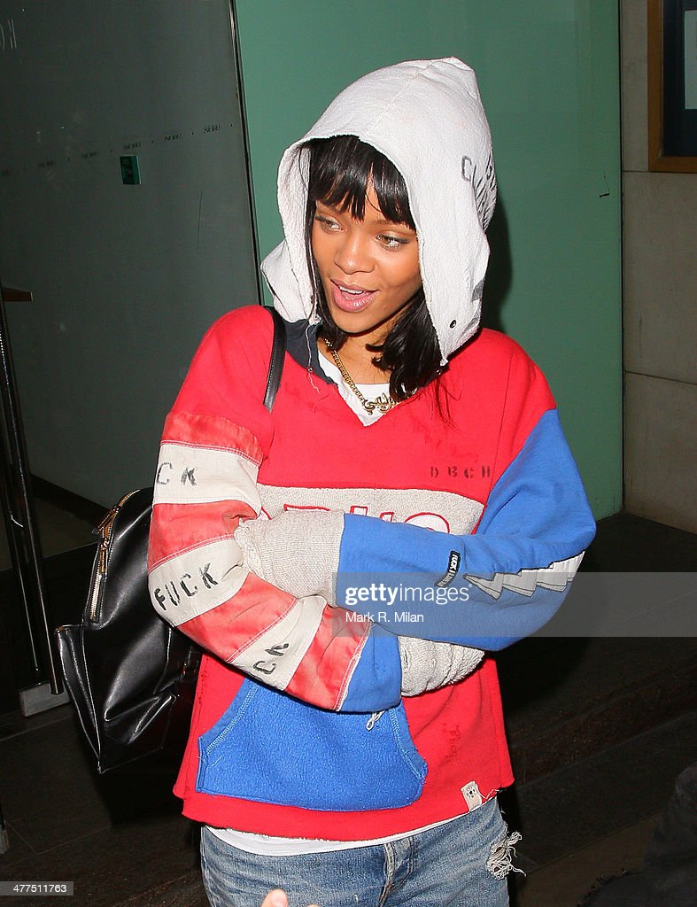 <a gi-track='captionPersonalityLinkClicked' href=/galleries/search?phrase=Rihanna&family=editorial&specificpeople=453439 ng-click='$event.stopPropagation()'>Rihanna</a> at Nobu Park Lane restaurant on March 9, 2014 in London, England.