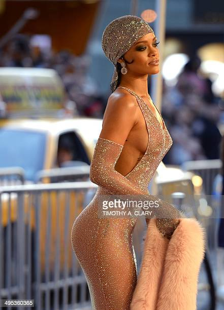 Rihanna attends the 2014 Council of Designer of America Awards at Alice Tully Hall at the Lincoln Center June 2 2014 in New York City AFP PHOTO /...