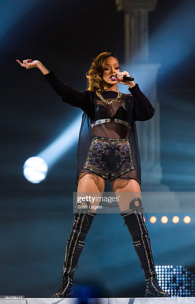 <a gi-track='captionPersonalityLinkClicked' href=/galleries/search?phrase=Rihanna&family=editorial&specificpeople=453439 ng-click='$event.stopPropagation()'>Rihanna</a> performs during her 2013 Diamonds World Tour in concert at Joe Louis Arena on March 21, 2013 in Detroit, Michigan.
