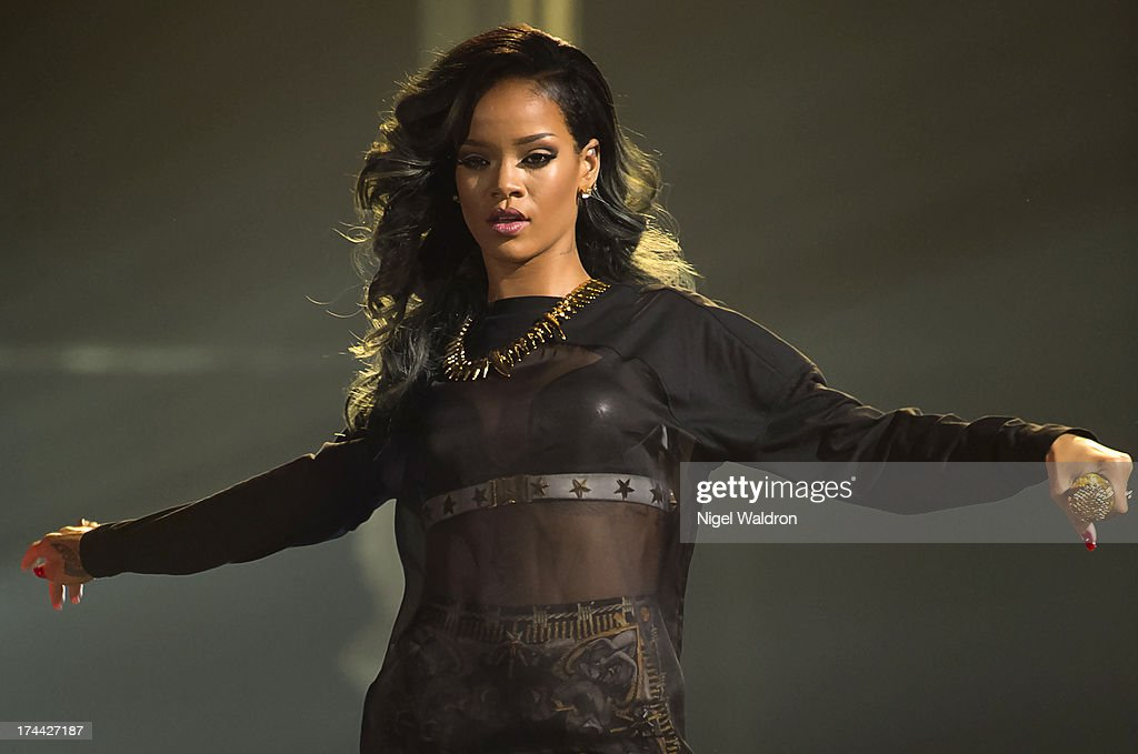 <a gi-track='captionPersonalityLinkClicked' href=/galleries/search?phrase=Rihanna&family=editorial&specificpeople=453439 ng-click='$event.stopPropagation()'>Rihanna</a> performs on stage at Telenor Arena during The Diamonds World Tour 2013. in Oslo, Norway.