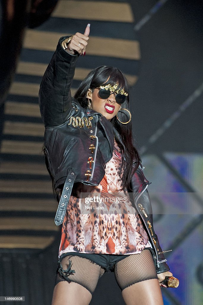 Rihanna performs on stage during BBC Radio 1 Hackney Weekend at Hackney Marshes on June 24, 2012 in Hackney, United Kingdom.