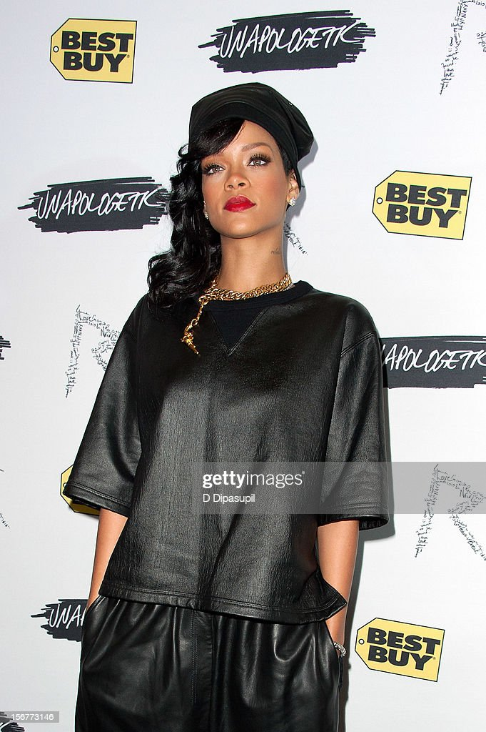 <a gi-track='captionPersonalityLinkClicked' href=/galleries/search?phrase=Rihanna&family=editorial&specificpeople=453439 ng-click='$event.stopPropagation()'>Rihanna</a> promotes 'Unapologetic' at Best Buy Theater on November 20, 2012 in New York City.