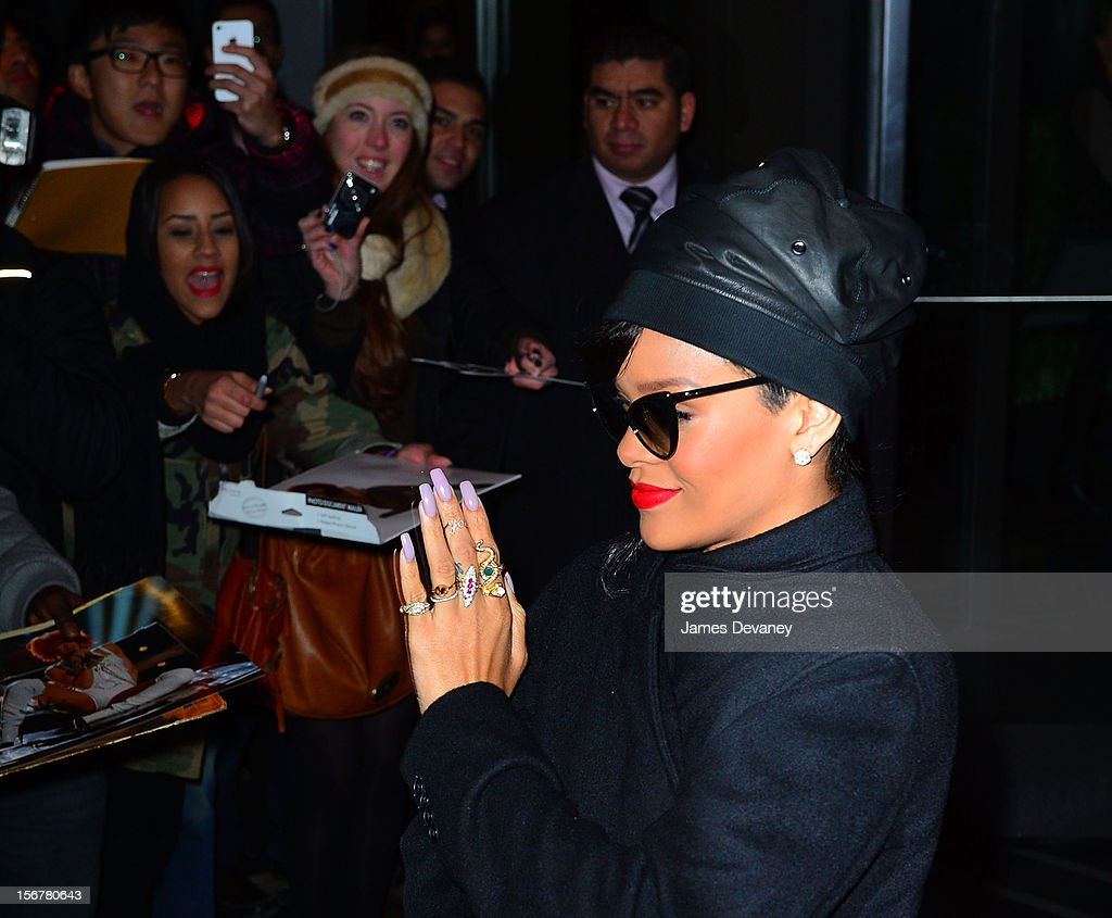 <a gi-track='captionPersonalityLinkClicked' href=/galleries/search?phrase=Rihanna&family=editorial&specificpeople=453439 ng-click='$event.stopPropagation()'>Rihanna</a> seen on the streets of Manhattan on November 20, 2012 in New York City.
