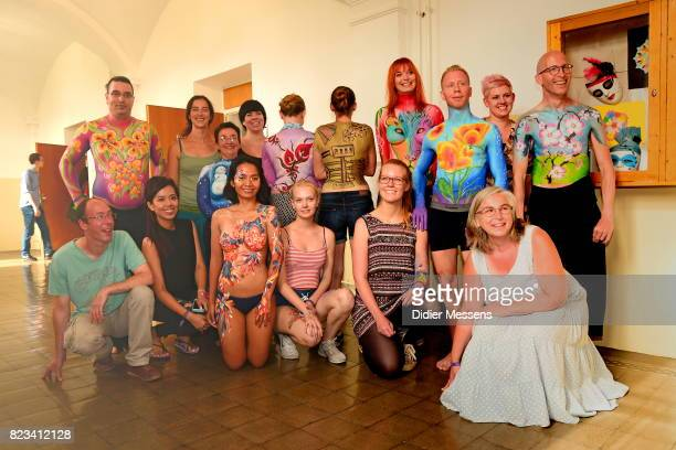 Riina Laine her students and the models pose pose for a picture at the end of the basic bodypainting workshop at the World Bodypainting Festival 2017...