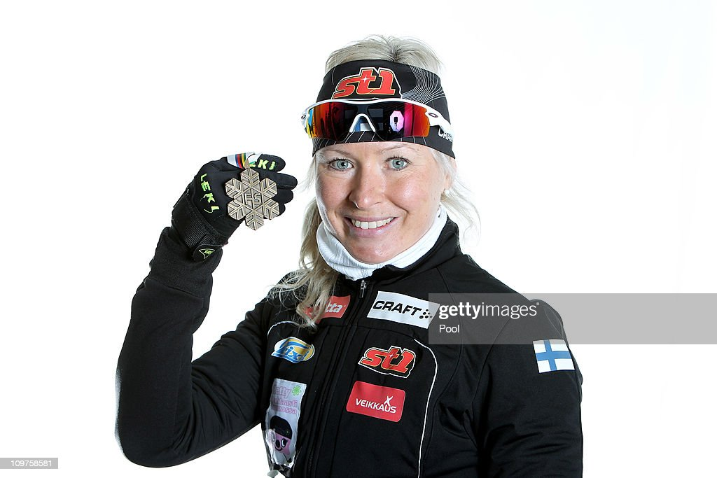 <a gi-track='captionPersonalityLinkClicked' href=/galleries/search?phrase=Riitta-Liisa+Roponen&family=editorial&specificpeople=4173513 ng-click='$event.stopPropagation()'>Riitta-Liisa Roponen</a> of Finland poses with the bronze medal won in the Ladies Cross Country 4x5km Relay race during the FIS Nordic World Ski Championships at Holmenkollen on March 3, 2011 in Oslo, Norway.