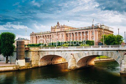 Riksdag edificio del parlamento estocolmo suecia foto de for Foto del parlamento