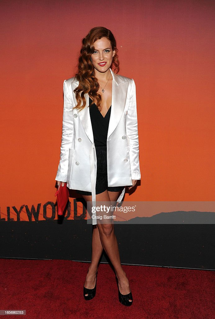 <a gi-track='captionPersonalityLinkClicked' href=/galleries/search?phrase=Riley+Keough&family=editorial&specificpeople=706267 ng-click='$event.stopPropagation()'>Riley Keough</a> arrives at the 2013 Whitney Gala and Studio Party at Skylight at Moynihan Station on October 23, 2013 in New York City.