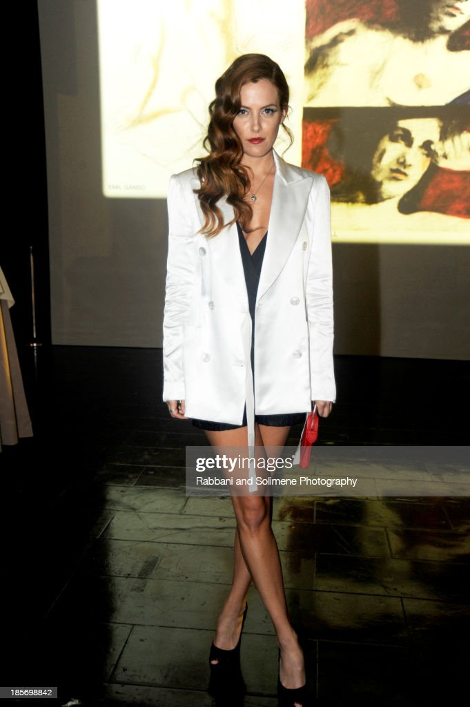 <a gi-track='captionPersonalityLinkClicked' href=/galleries/search?phrase=Riley+Keough&family=editorial&specificpeople=706267 ng-click='$event.stopPropagation()'>Riley Keough</a> attends teh 2013 Whitney Gala and Studio Party at Skylight at Moynihan Station on October 23, 2013 in New York City.