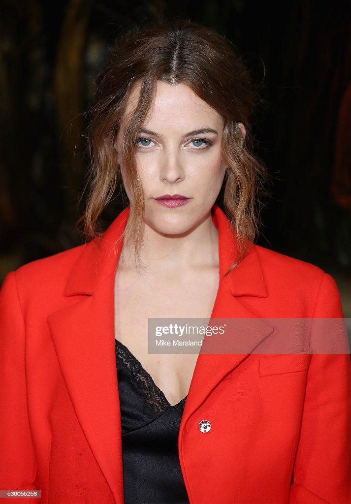 <a gi-track='captionPersonalityLinkClicked' href=/galleries/search?phrase=Riley+Keough&family=editorial&specificpeople=706267 ng-click='$event.stopPropagation()'>Riley Keough</a> attends the Christian Dior Spring Summer 2017 Cruise Collection at Blenheim Palace on May 31, 2016 in Woodstock, England.