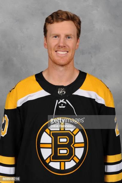 Riley Nash of the Boston Bruins poses for his official headshot for the 20172018 season on September 15 2017 in Boston Massachusetts