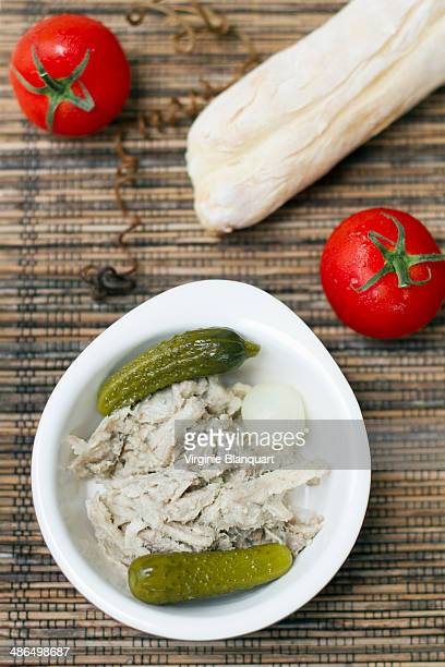 Rillettes, tomatoes and bread
