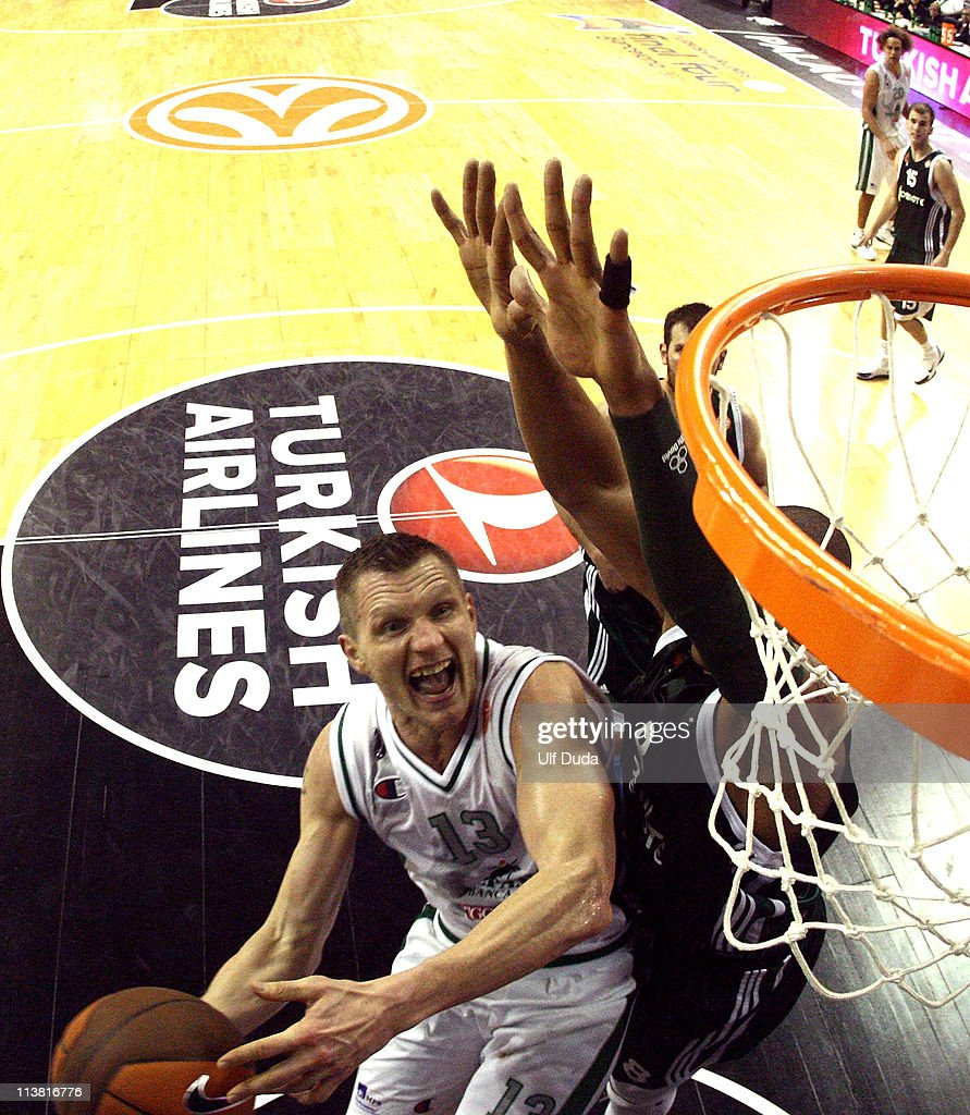 Rimantas Kaukenas #13 of Montepaschi Siena competes with Mike Batiste #8 of Panathinaikos Athens during the Turkish Airlines Euroleague Final Four...