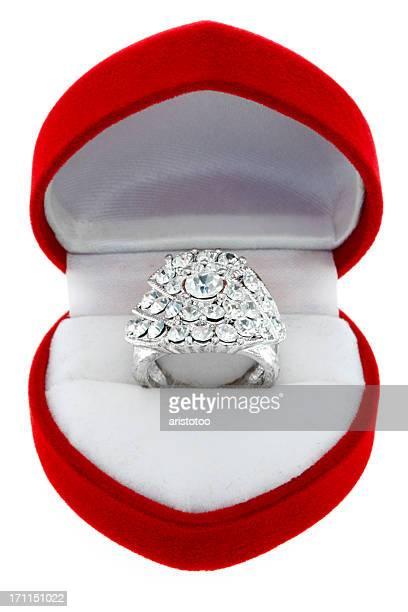 Ring boîte isolé sur blanc