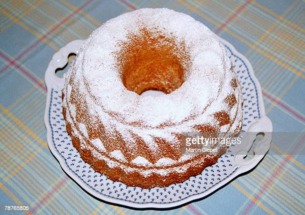 A ring cake with icing sugar