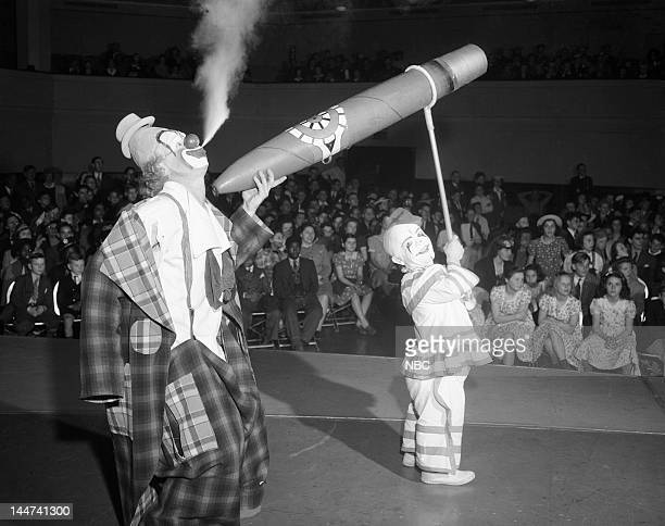 BANDWAGON 'Ringling Bros and Barnum Bailey Circus' Pictured Clowns Lou Jacobs Henry Bedlow
