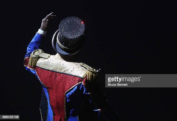 Ringmaster Jonathan Lee Iverson performs on the final day of the Ringling Bros Barnum and Bailey Circus on May 21 2017 in Uniondale New York Known as...