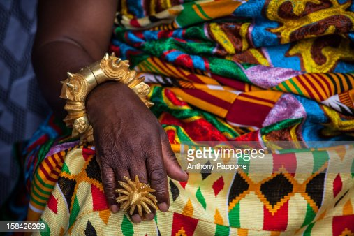 Rings and golden bracelets worn by the Ashanti chi