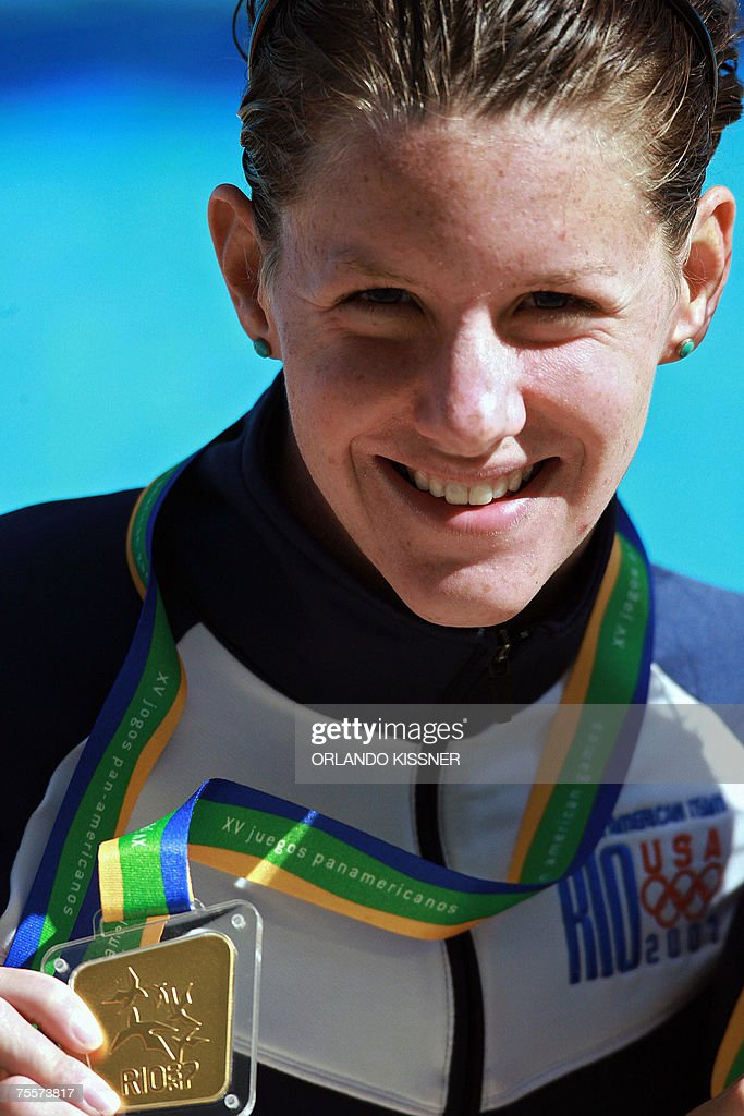 US swimmer Julia Smit holds her gold medal for the 200m individual medley competition, 20 July 2007, during the XV Pan American games Rio 2007, in Rio de Janeiro, Brazil. AFP PHOTO / ORLANDO