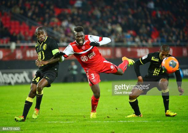 Rio MAVUBA / Arthur MASUAKU / Pape SOUARE Valenciennes / Lille 13e journee Ligue 1 Photo Dave Winter / Icon Sport